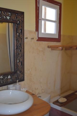 double studio sea side bathroom