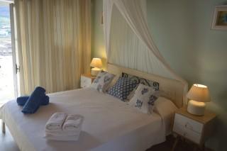 double studio sea side clean bed