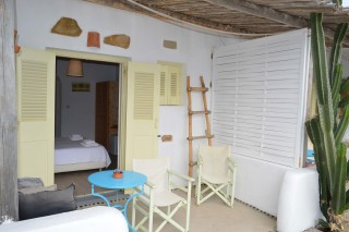 double studio sea side veranda tables