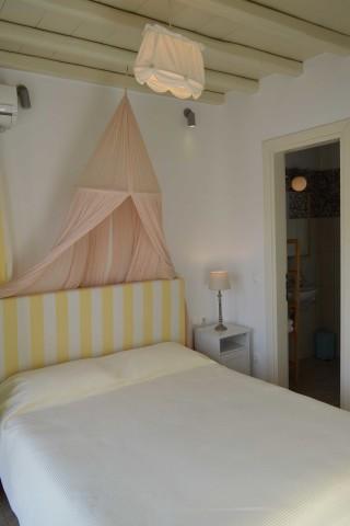 house 1 sea side studios bed