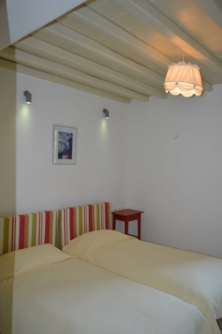 house 1 sea side studios single beds