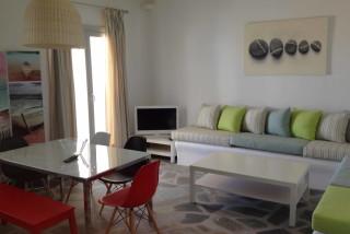 house 2 sea side lounge