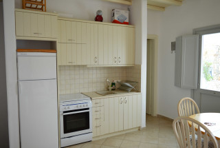 house 2 sea side studios kitchen